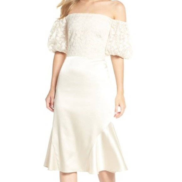 NWT - Gal Meets Glam - Off-the-Shoulder Dress